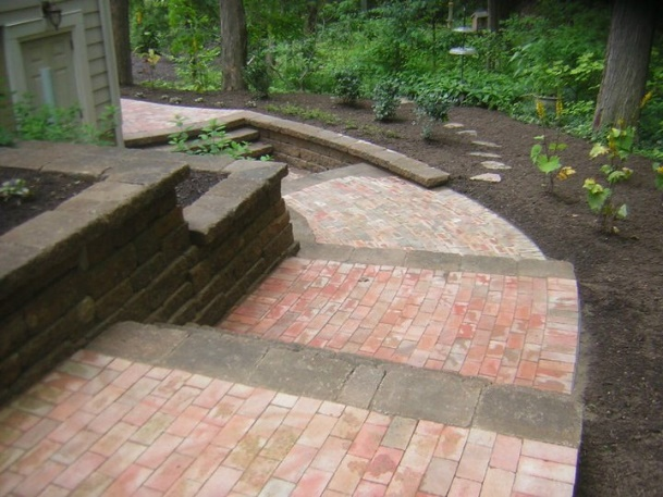 H&M Landscaping Chardon Patio Brick Steps Installation