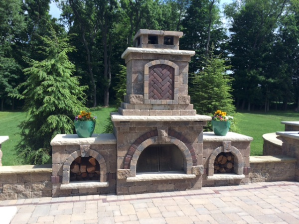 Cleveland's H&M Landscaping Outdoor Fireplace Kitchen Installation
