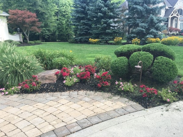 Landscape Yard Maintenance in Cleveland Ohio
