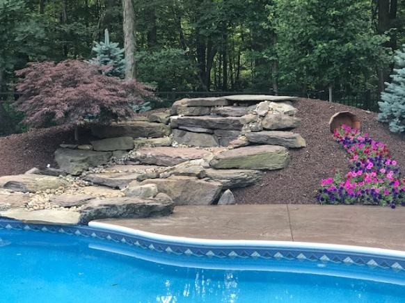 Cleveland Landscaping Hardscape Construction with Natural Stone