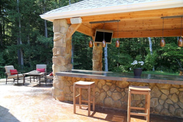 H&M Landscaping - Northeast Ohio Clifrock Outdoor Kitchen Installation